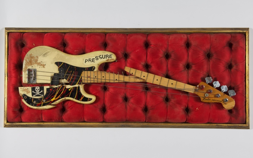 Paul_Simonons_broken_bass_guitar_c_The_Clash_archive_Cropped.jpg